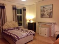 LARGE DOUBLE ROOM WITH PRIVATE BATHROOM