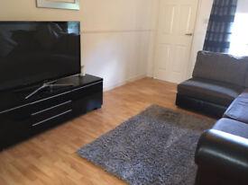 4 Bedroom Unfurnished Detached House For Rent - Coatbridge