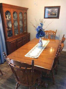 Roxton Dining Table And Hutch