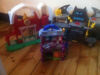 Imaginext Batcave / Spider-man & green goblin house / farm FISHER PRICE