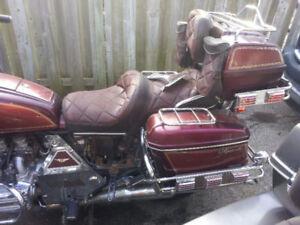 '83 Goldwing Aspencade for parts or repairs
