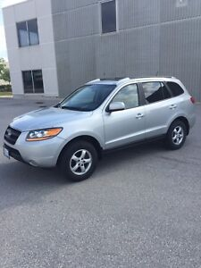 2009 Hyundai Santa Fe. LOW KM!MUST SEE!!!