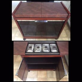Phillips hostess trolley with 4 pyrex dishes and lids great for dinner & parties