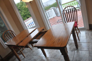 Solid Oak Dining room set with 4 chairs