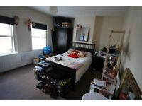 LARGE BEDROOM - GOLDSMID ROAD - TOWN CENTRE - AVAILABLE 26th SEPTEMBER