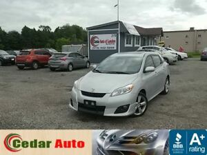 2010 Toyota Matrix XR - Moonroof - Navigation