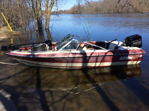 Danson Bowrider boat. 90hp with power trim