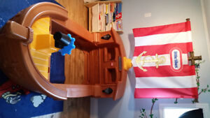 Little Tike Pirate Bed