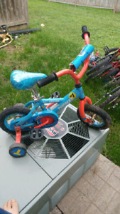 Thomas the Train bicycle and training wheels