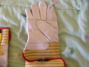 Condor gloves leather .small.buy one get one pair free.