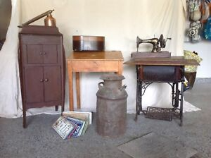 Phonographe + tourne disque antique record player and gramophone