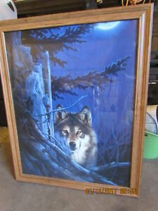 Wolf picture with oak frame