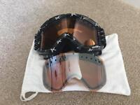 Ski/snowboard goggles anon