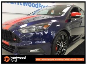 2016 Ford Focus ST ST! NAV! BACK UP CAM! HEATED SEATS! If you do