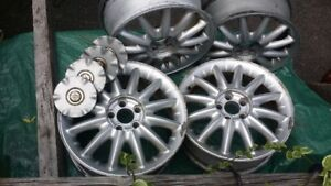 "À vendre, for sale 16"" Alloy Mags"