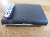SKY+HD BOX 500GB DRX890W
