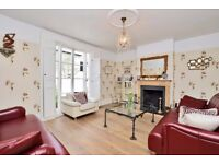 Double room for single occupancy in a beautiful house in Thames Ditton, Kingston