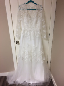 Size14 Ivory Lace Wedding Dress