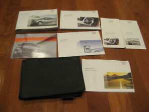 2007 Audi Q7 Owner's Manual With Case.