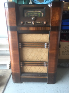 Old Deforest Crosley Radio