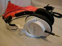 Superlux HD661 headphones