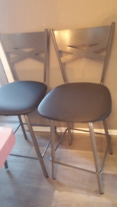 4 counter height / bar stools