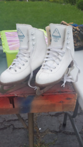 Girls Figure Skates sizes 11, 12, 13.5, 1