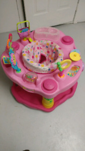 Infant play saucer