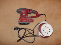 Moss 430w electric sander with assorted pads