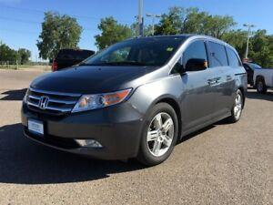 2013 Honda Odyssey Touring 8 Passenger Option *Nav* *DVD* *Backu
