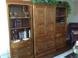 Solid wood Canadian Made wall unit a real 10+++++