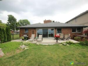 $799,999 - Bungalow for sale in Belle River