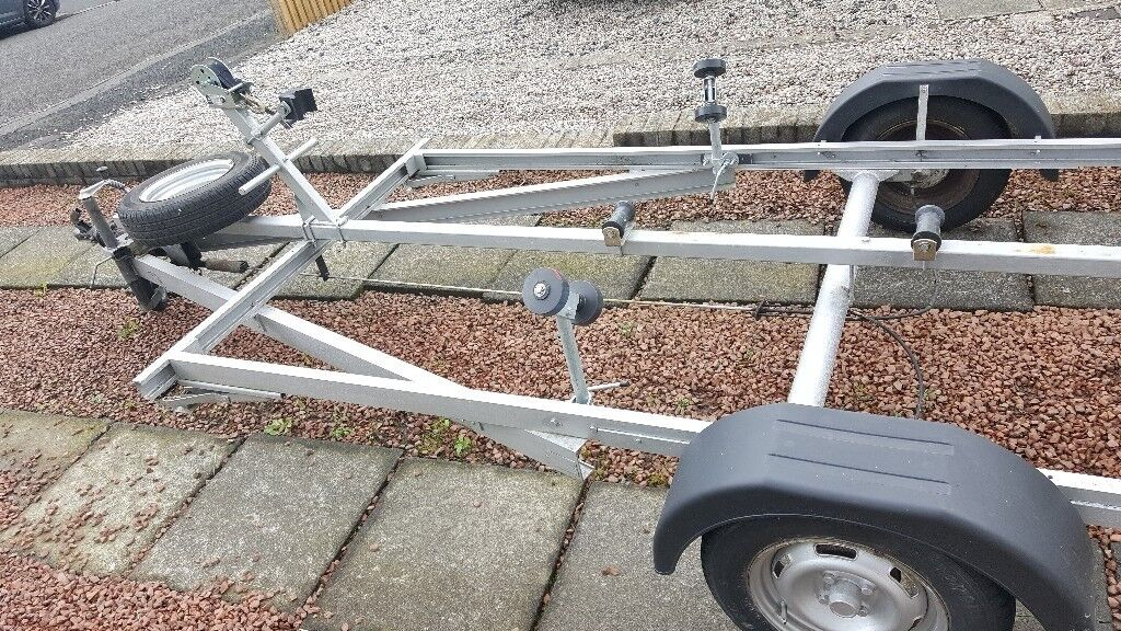 Boat.trailer for salein Thornliebank, GlasgowGumtree - Boat trailer for sale, minted very strong took 15ft dory no problem suit 14 16ft boats