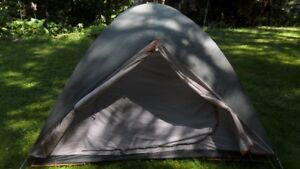4 person tent with or without 2 air mattresses, 2 sleeping bags