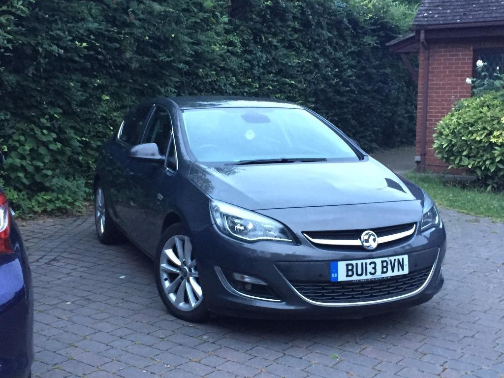 Vauxhall Astra 2013 12months mot and full service history.