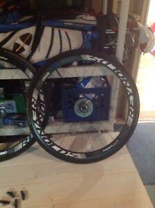 Bicycle racing wheels