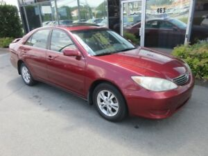 2005 Toyota Camry LE WITH MOONROOF & ALLOYS