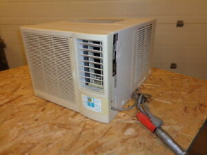 Simplicity Air Conditionor - window mount