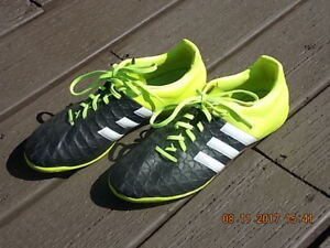 Adidas Men's Indoor Soccer Shoes - Size 8.5