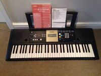 Yamaha Digital Keyboard YPT-220 (61 keys)