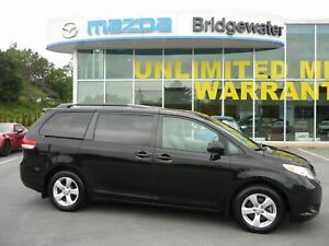 2012 Toyota Sienna 8-Pass LE