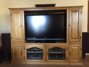 Oak Entertainment Unit TV Stand