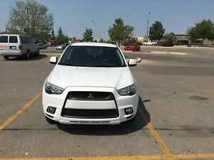 2011 Mitsubishi RVR W/Factory Warranty and LOW KM
