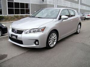 2011 Lexus CT 200h Leather,Sunroof,Only 26K!!!