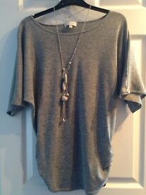 Grey top with detachable neckless