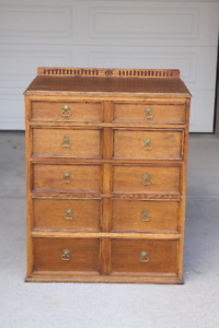 Oak Chest of drawers - vintage