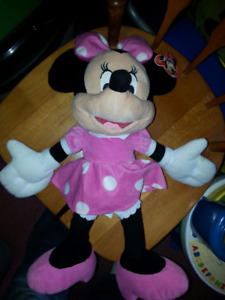 MINNIE MOUSE PLUSH TOY BRAND NEW WITH TAG STILL