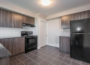 Family friendly 2 bedroom townhouse at North for July 15th!