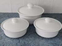 Set of 3 casserole dishes, white in excellent condition.
