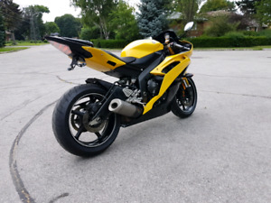 2010 Yamaha R6 **RARE YELLOW**